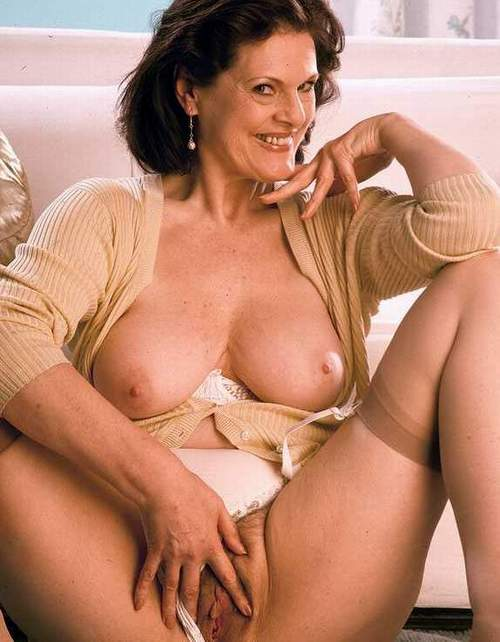 Hot mature mom